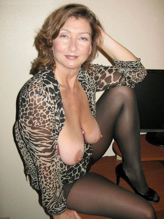 milf mature hot mom there