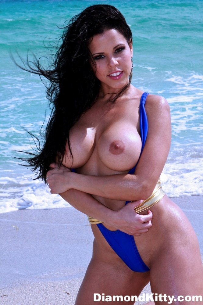 Amateur beach babes Teenage nudist pagent pictures