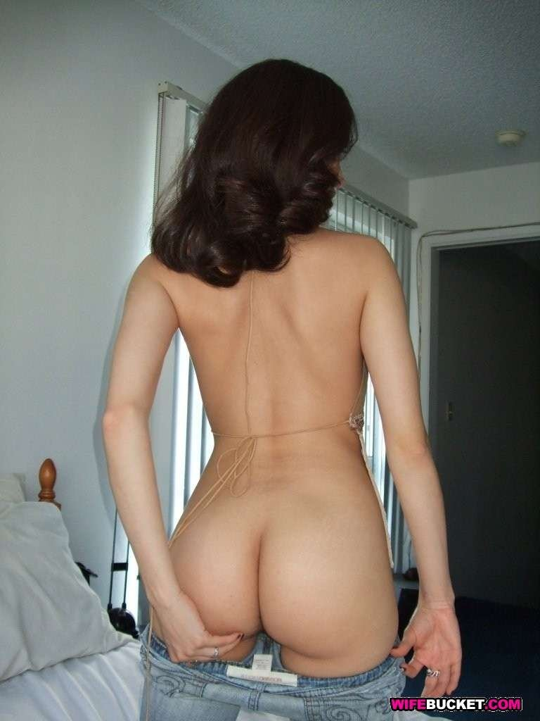 Skinny no tits milf Fuck me before my parents get home i know that girl
