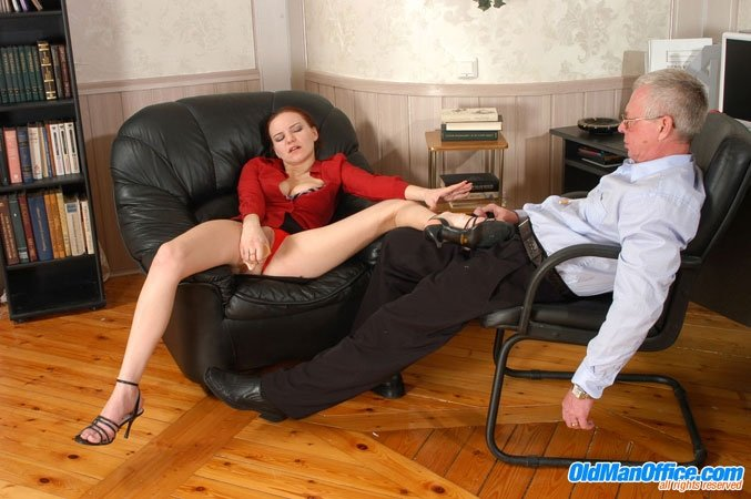 Shoplyfter in front of husband