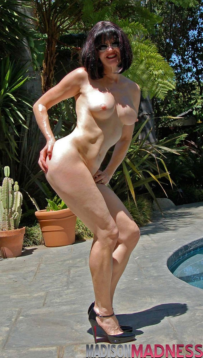 mature nude hot there