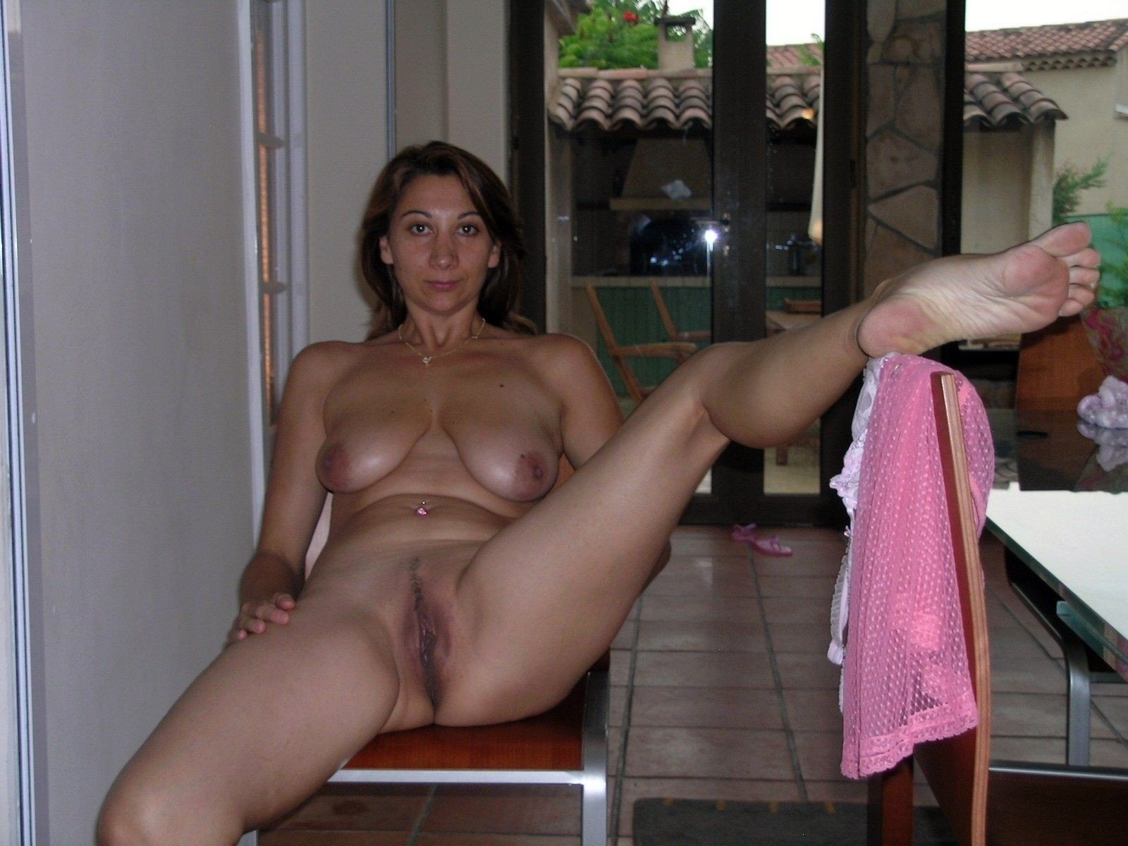 Amateur submitted nude free