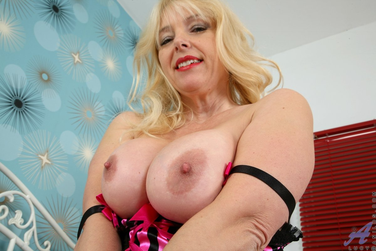 Latin chick pussy tubes