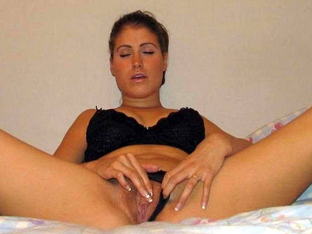 Amateur wife takes bbc Kinky nudist video