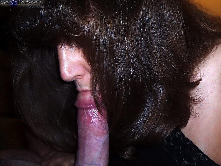 Wife scat on man