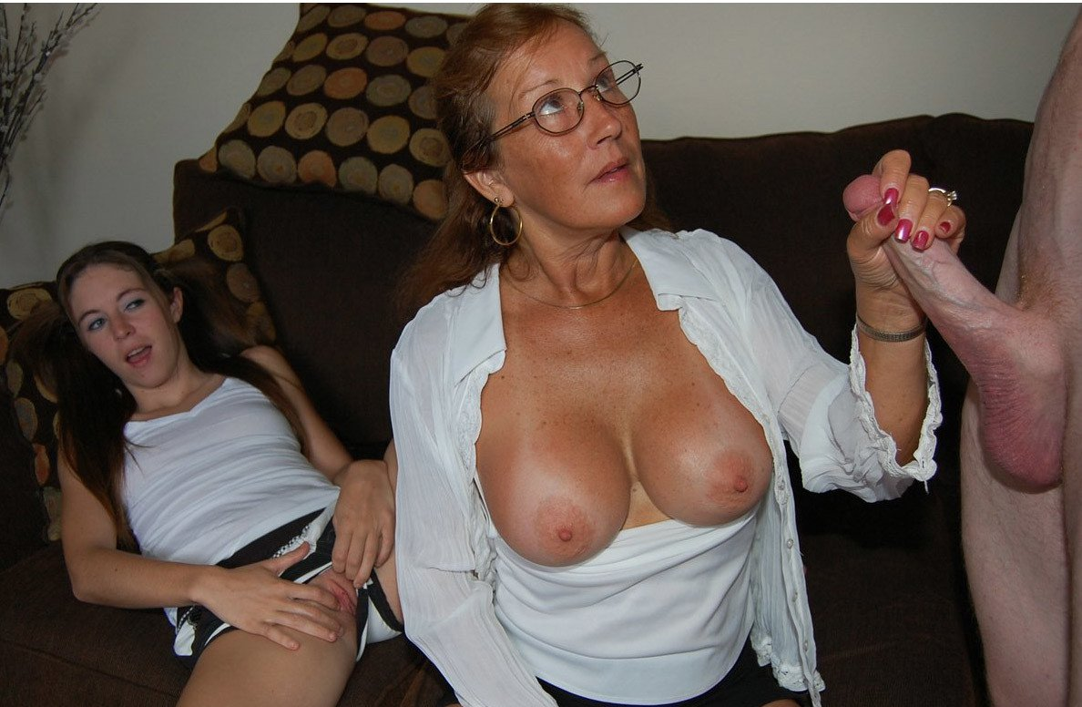 Tojak    reccomend mature orgy group
