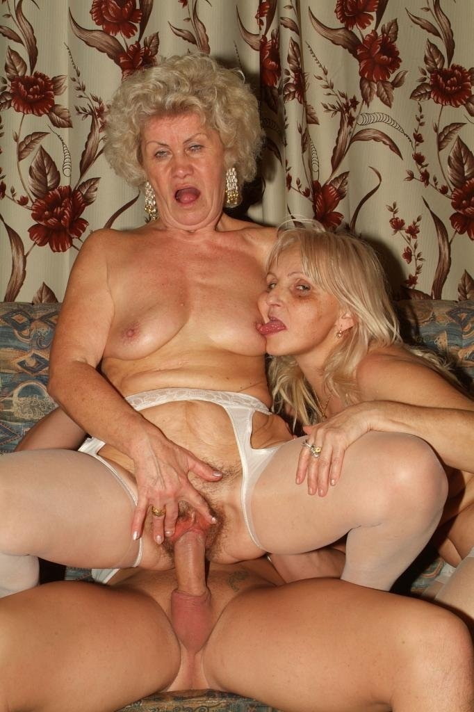 milf seeker threesome