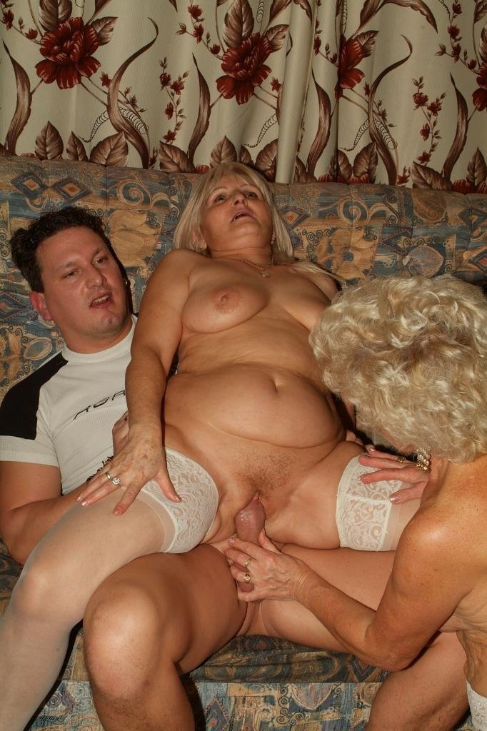 the dildo flasher milfs like it big there