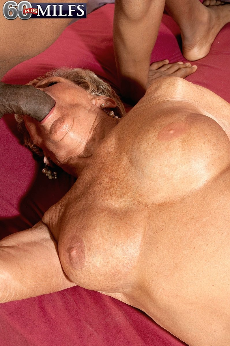Wife pussy stretched by huge cock