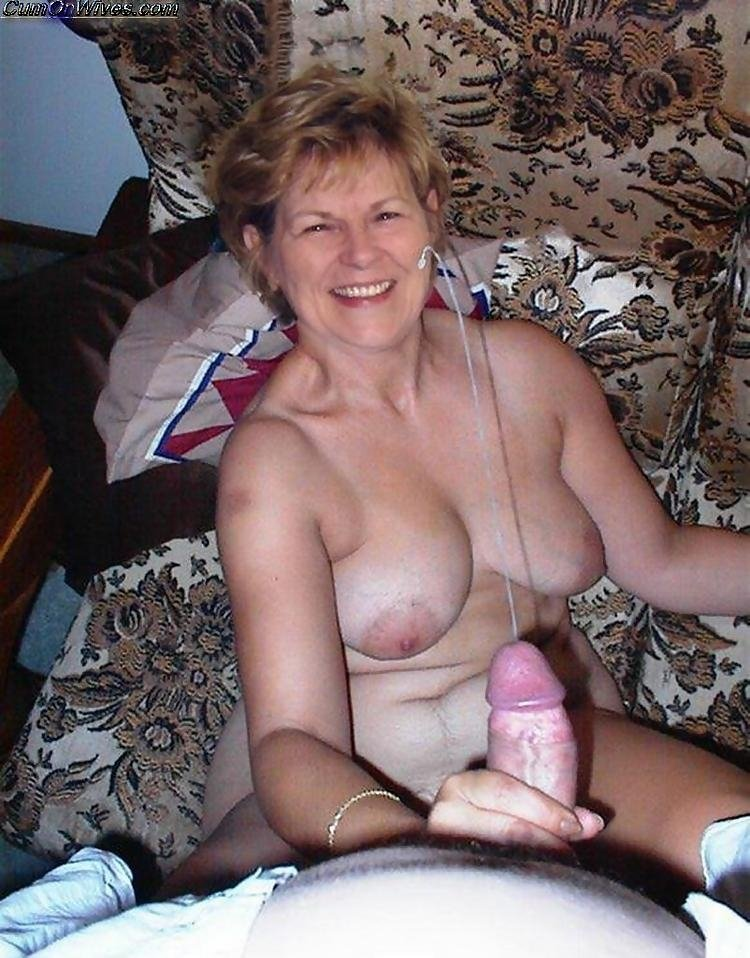 Nasty horny milf Beautiful wife was forced to fucking