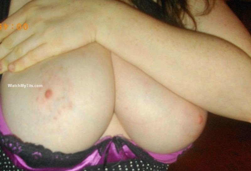 mature huge boobs pic