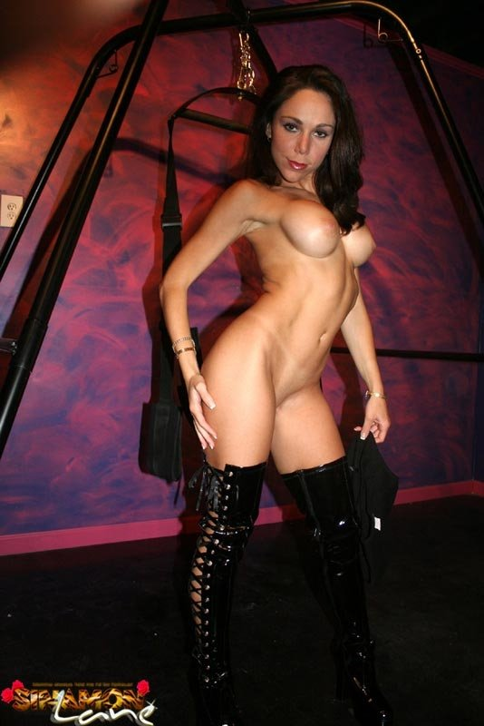 Wife tells hubby about her black fantasy