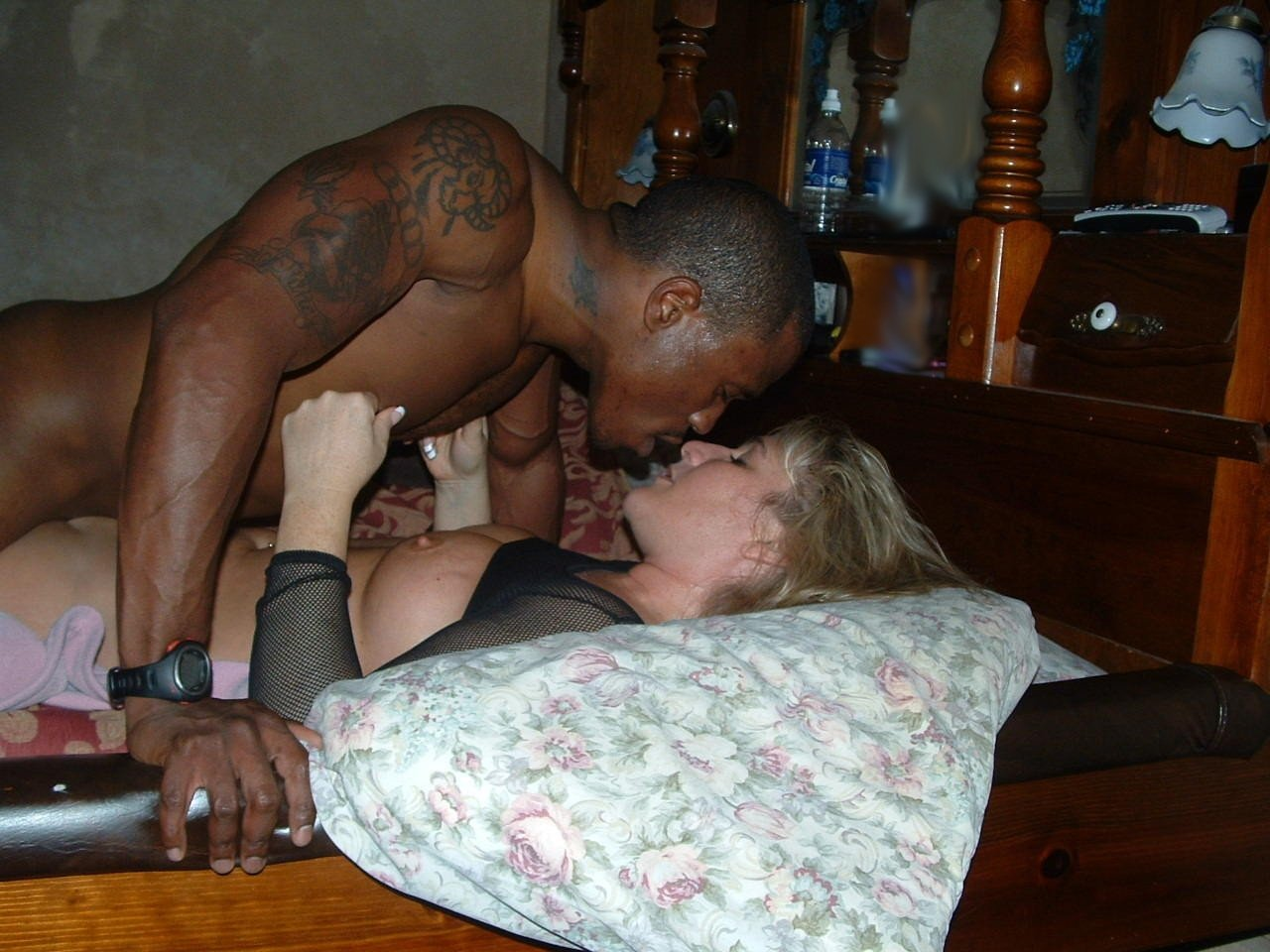 wife-wants-stranger-to-eat-pussy