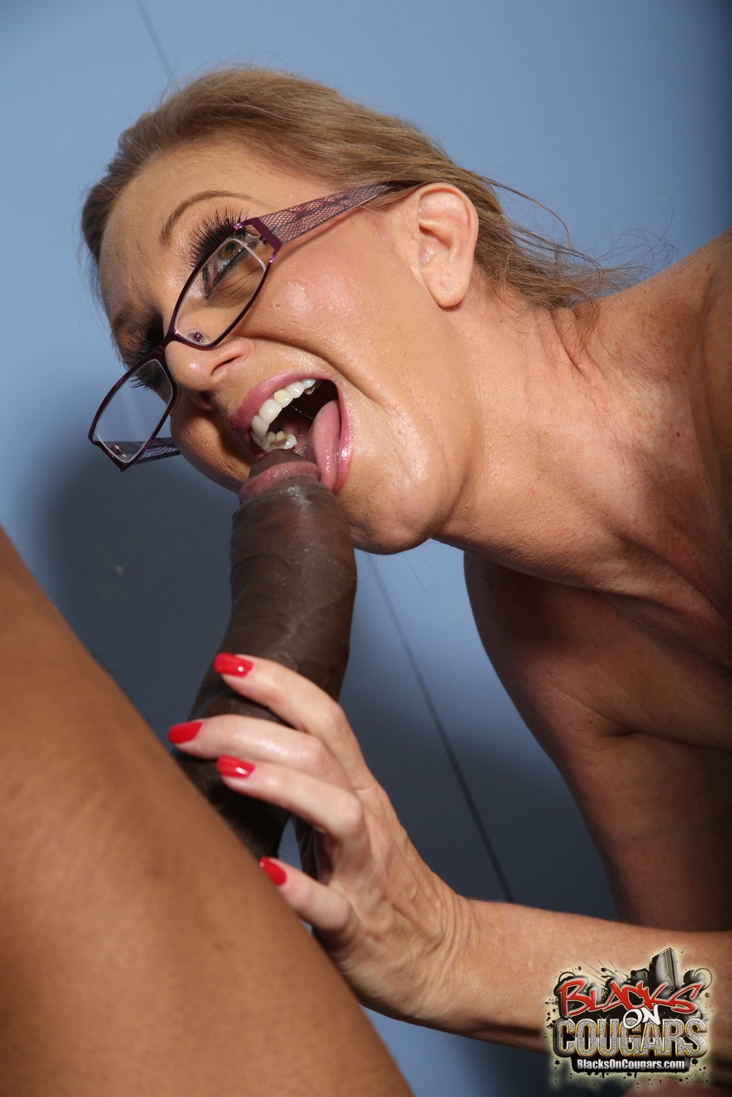 sister threesome hd there