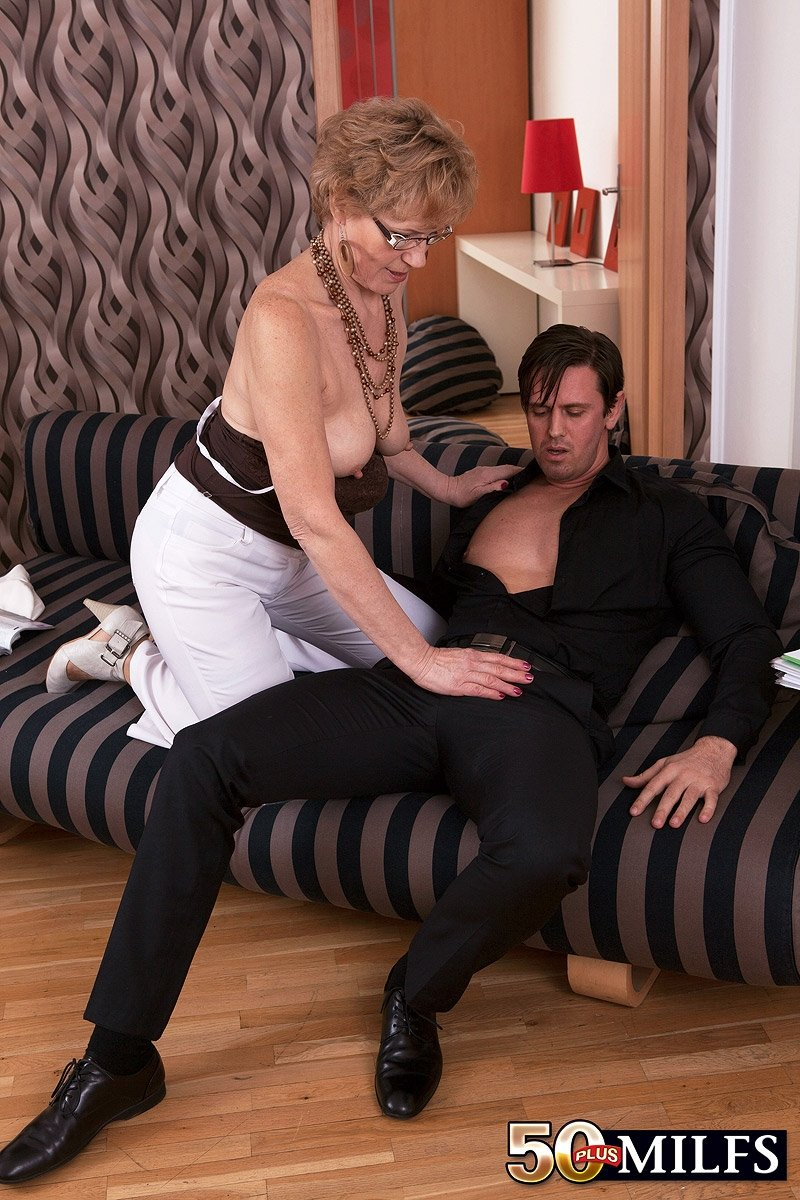 Fat wife anal by bbc in front of husband