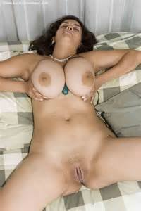 Busty amature rides dick