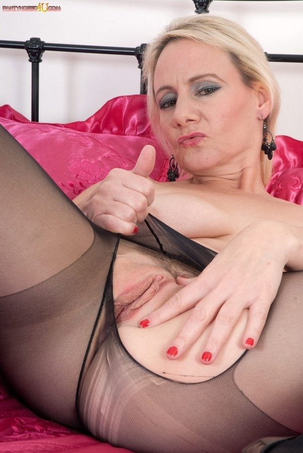 Filming wife fuckibg huge bbc pain dirty sexy mature