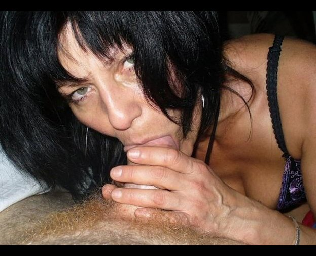 Wife nude pussy