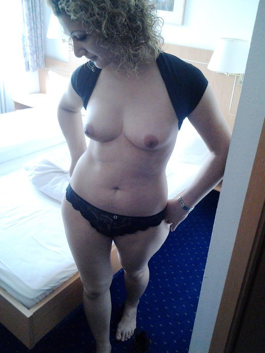 Lonely housewife xxx In frantumi of husband