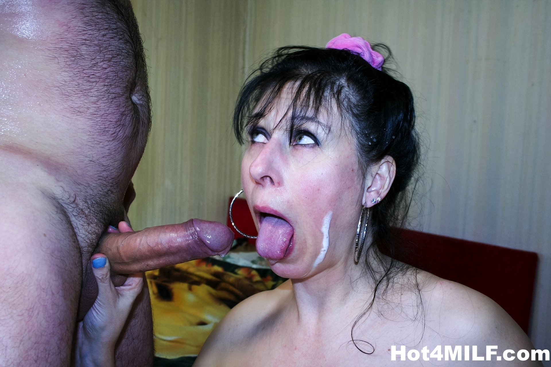 old milf porn pics there