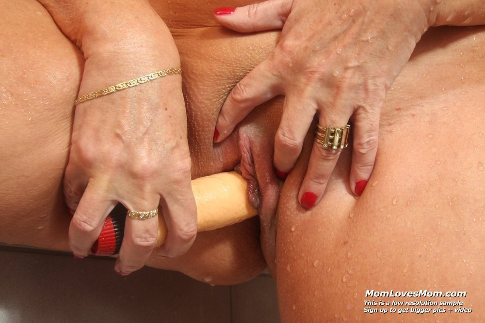 free mature naked ladies