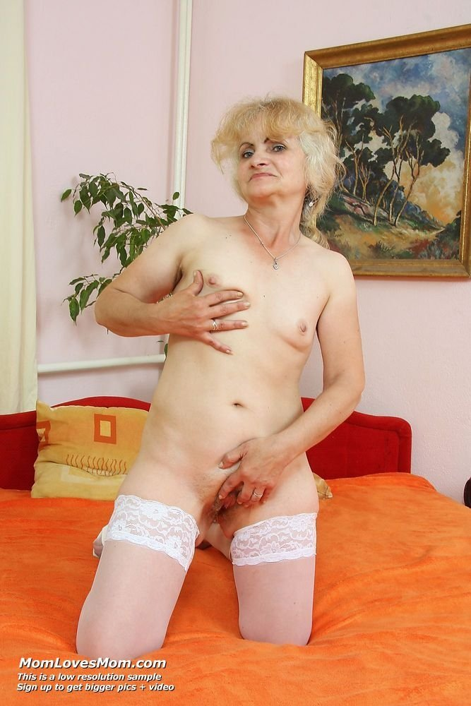 Granny fetish pics Daughter squirt piss family