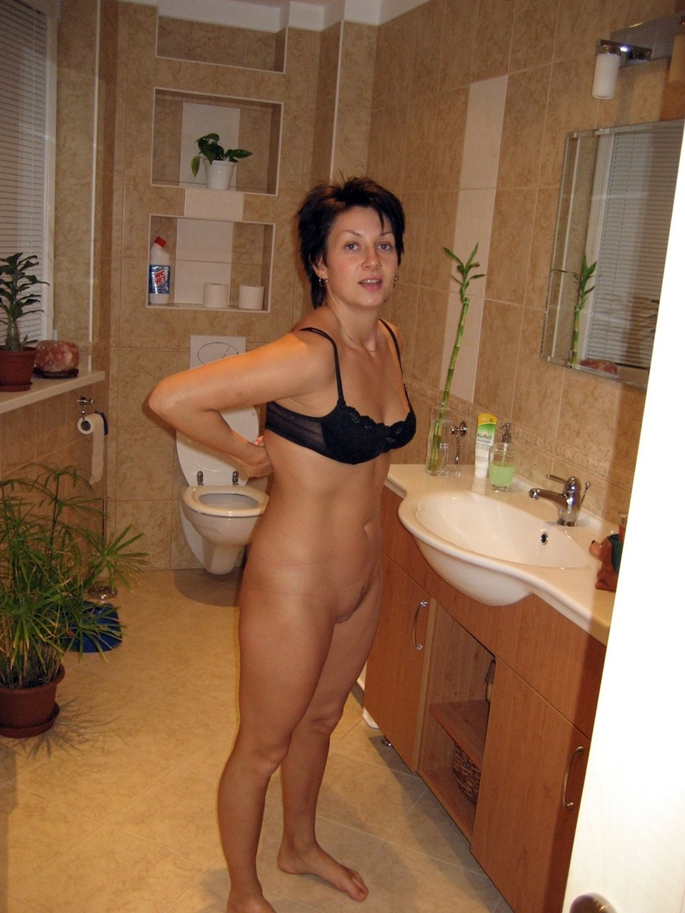 mature amature nude photos