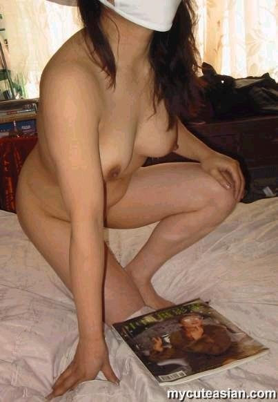 Asian amateur nude wife at home