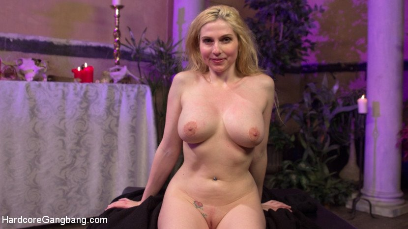 milf video blonde
