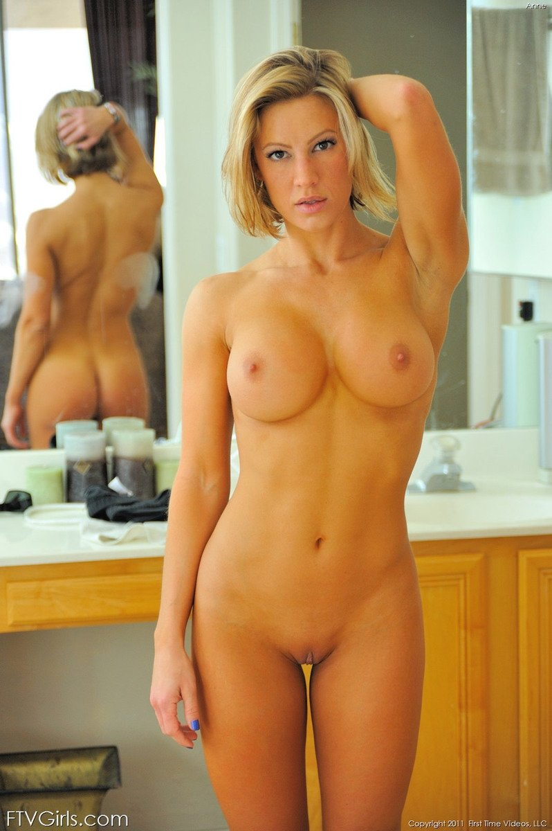 blond housewife porn