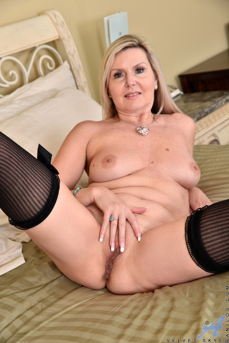 chubby mature wife naked there