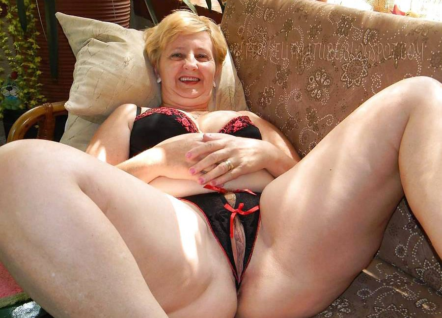 Skinny mom sexwife