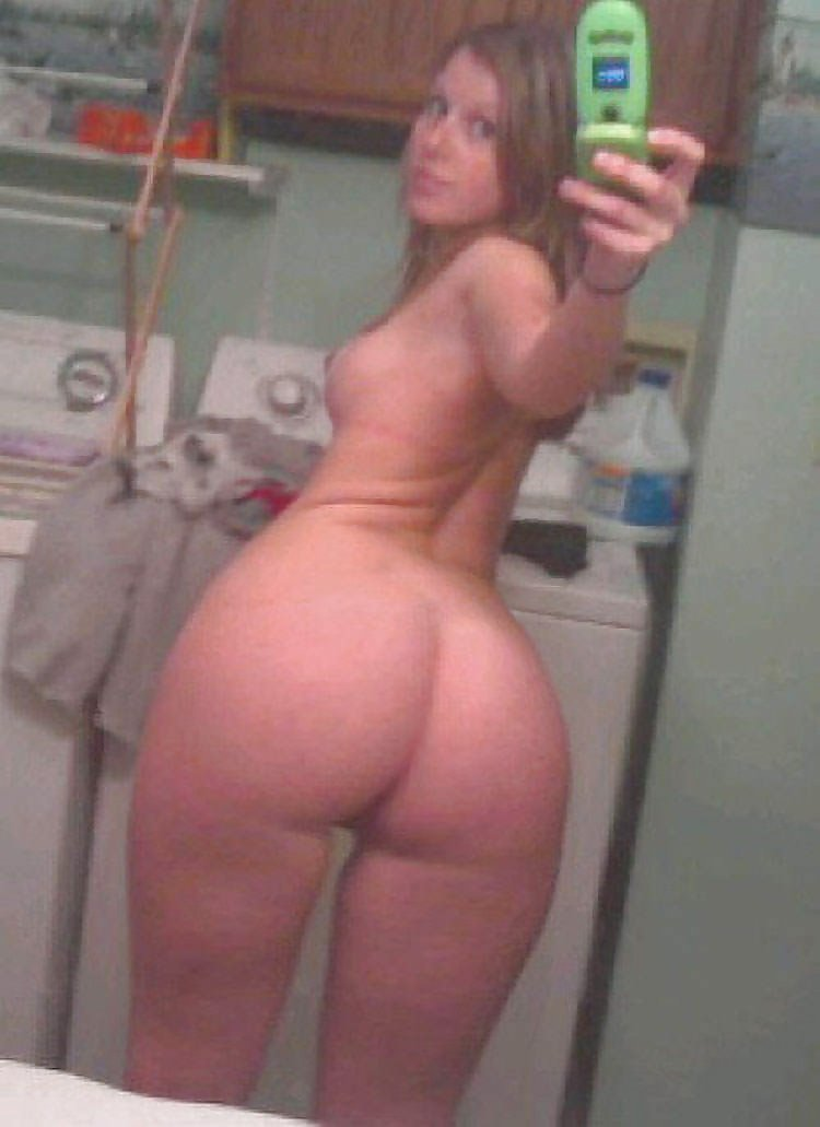 Thick nude white girl self pics