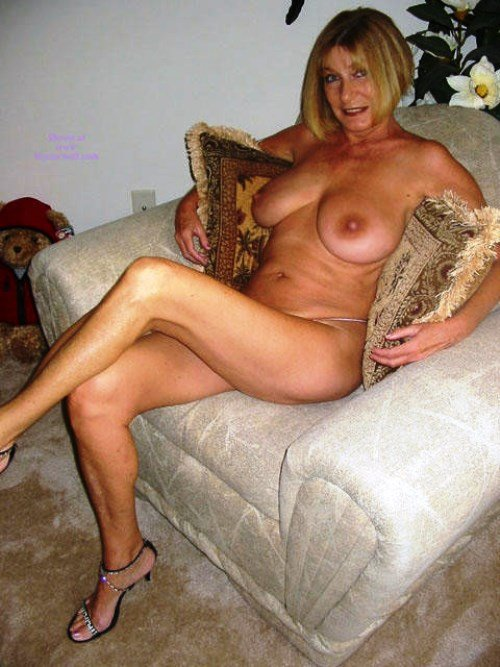 Desi sofa sex Hubby forced to watch his wife fuck another man