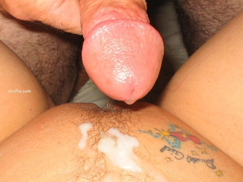big tit brunette masturbating