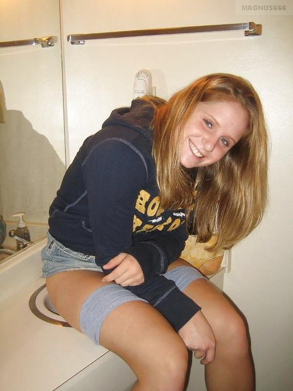 Problem In Toilet, Bursting To Pee, Pretty Girl Tries To Pee In The Sink