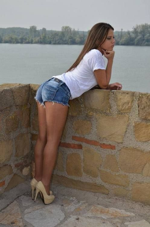 Non Nude Teen Models In Dresses Skirts