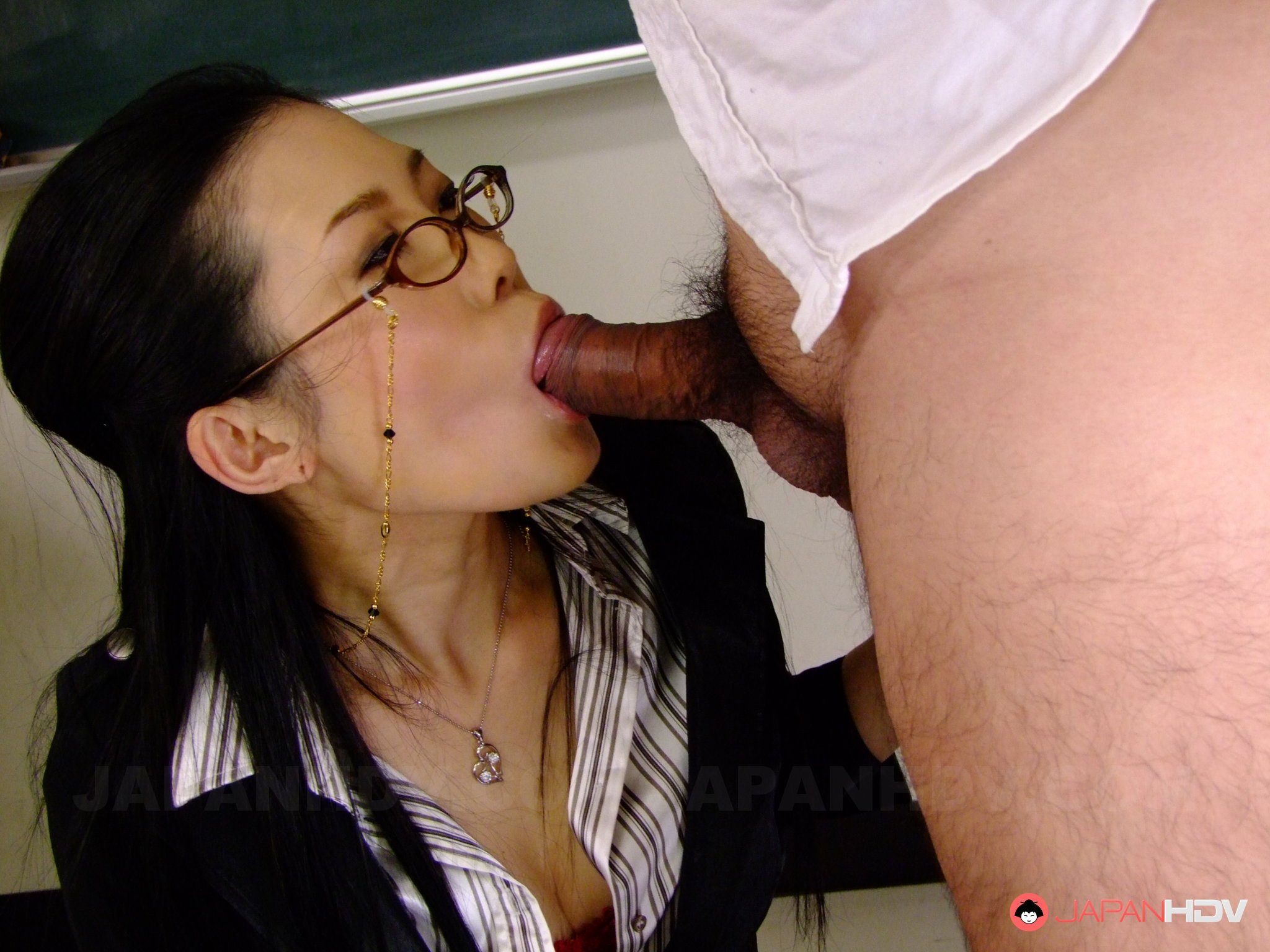 Amateur wife fucking huge cocks