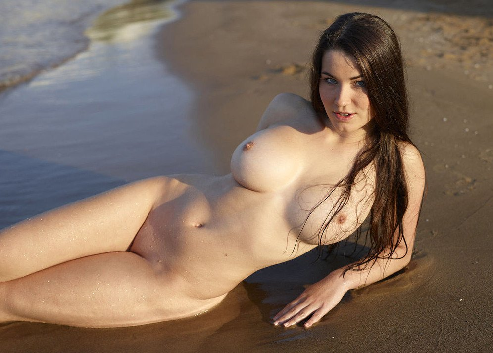 girl-pics-and-videos