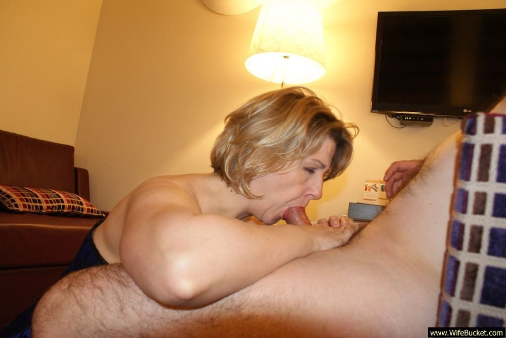 Mom on dogfort netamateur mature