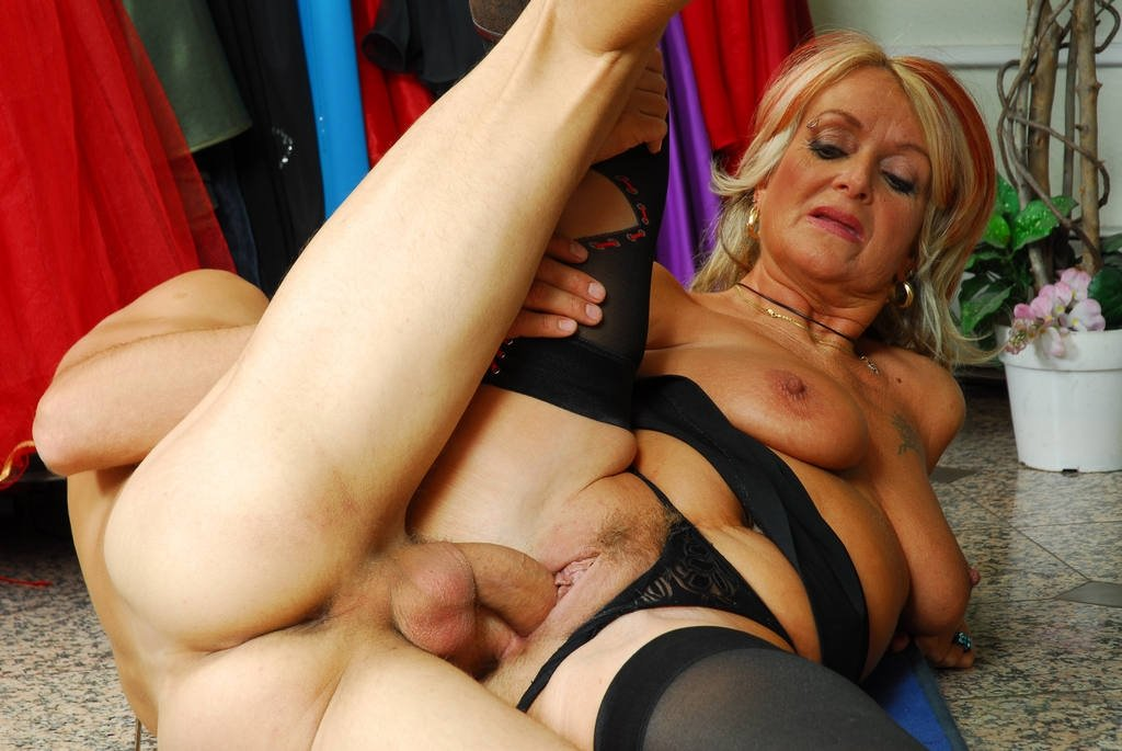 Wife bbc mmf creampie fat mature couple