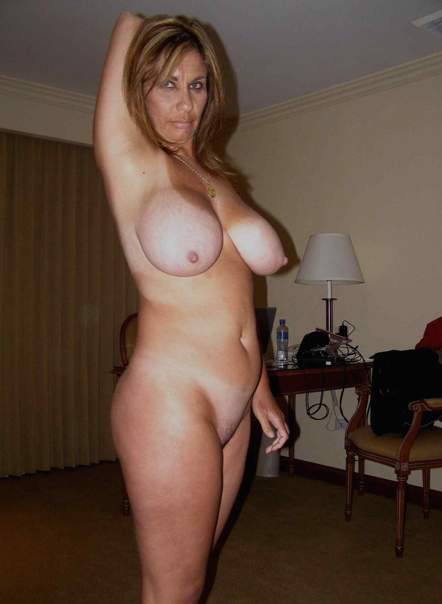beautiful chubby wife