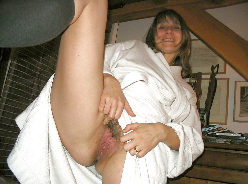 mature internal creampie
