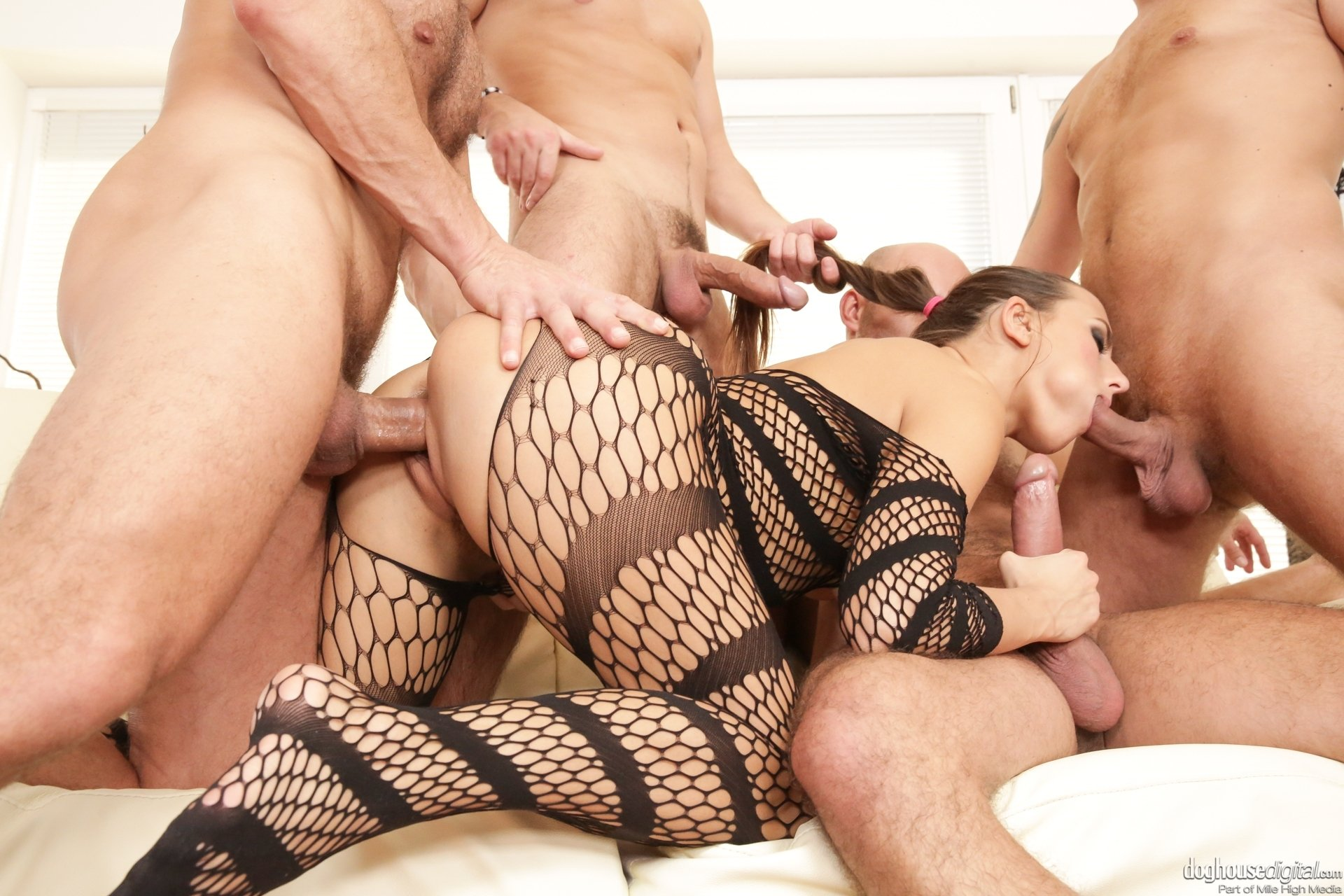 Max family Inked bellas anal