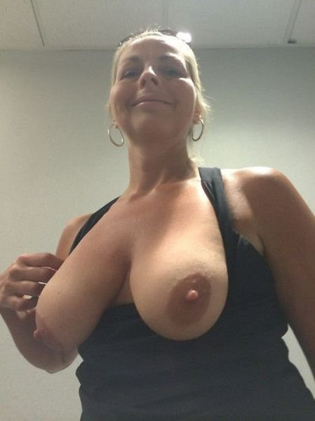 Youg girls nudist thumbs sexy lady naked boobs