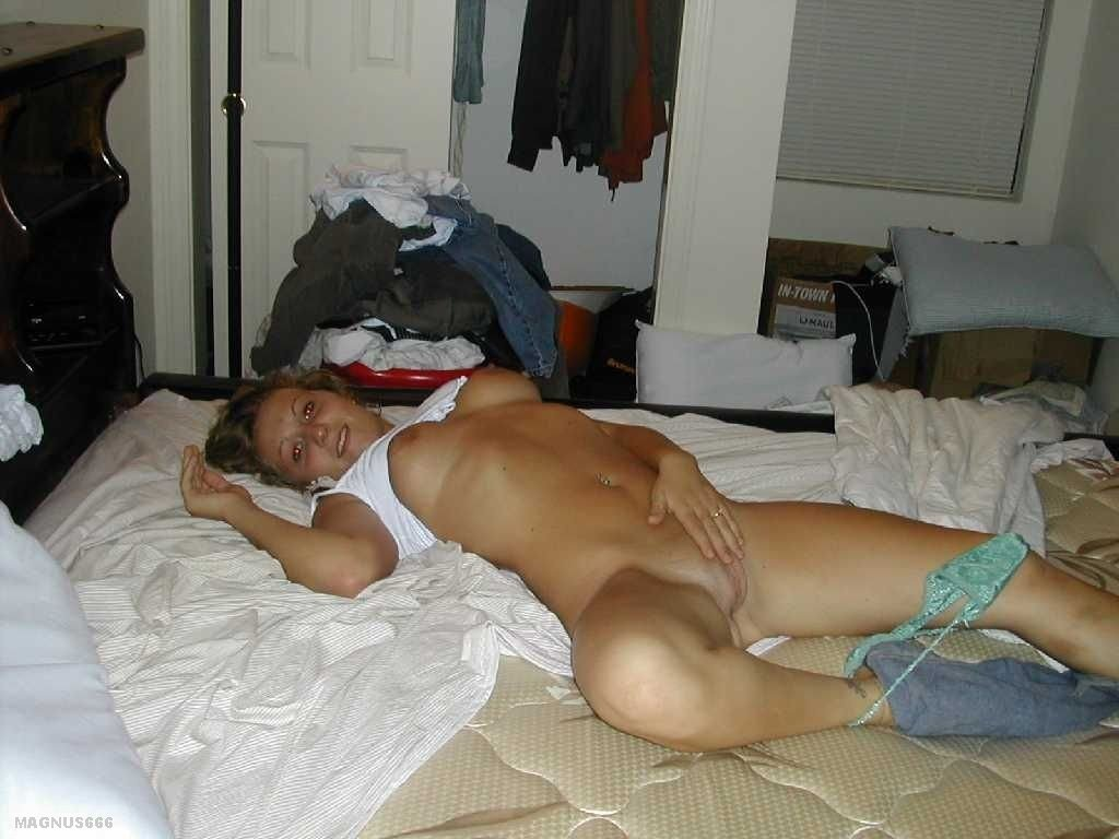 Amateur women getting naked #1