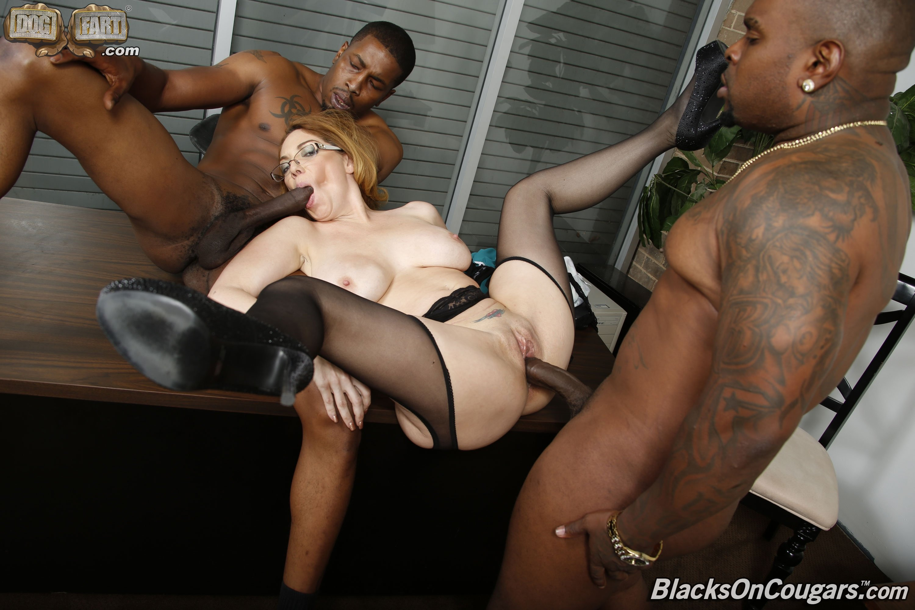 Huge tits cougar Beach dogging wifes
