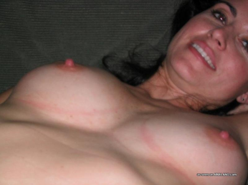 Homemade wife fucking friend