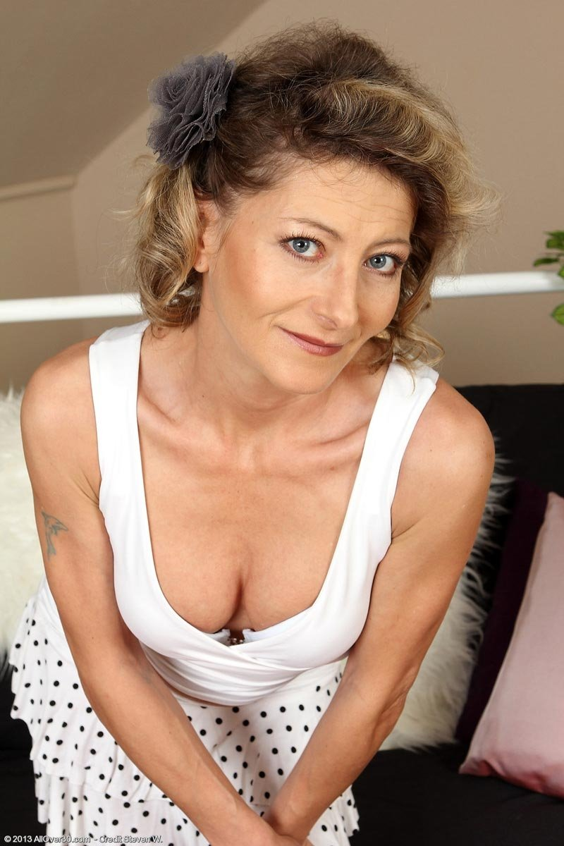 Real wife ir Barzzei first time german mature solo
