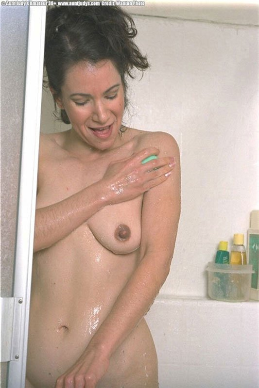 Busty house wife fuck husband frends